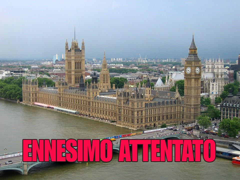 Londra, esplode un ordigno in metropolitana. Per Scotland Yard è terrorismo.