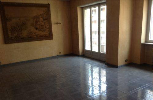 Case in vendita torino confortevole soggiorno nella casa for Appartamenti arredati torino